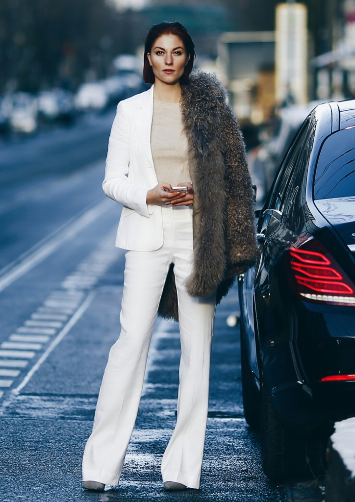 20160125375765348LISA Banholzer-Blogger Bazaar-Laurel-Hosenanzug-Suit-All White-Nude-Wetlook-Steetstyle-Berlin