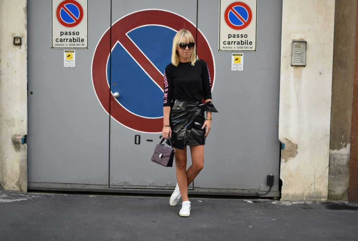 isabel-marant-leather-skirt-tanja-trutschnig-blogger-bazaar-mfw-saint-laurent-star-sneaker-2