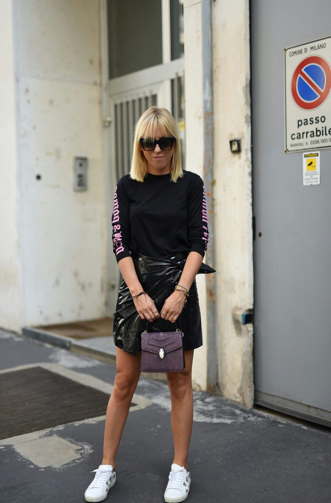 isabel-marant-leather-skirt-tanja-trutschnig-blogger-bazaar-mfw-saint-laurent-star-sneaker-3