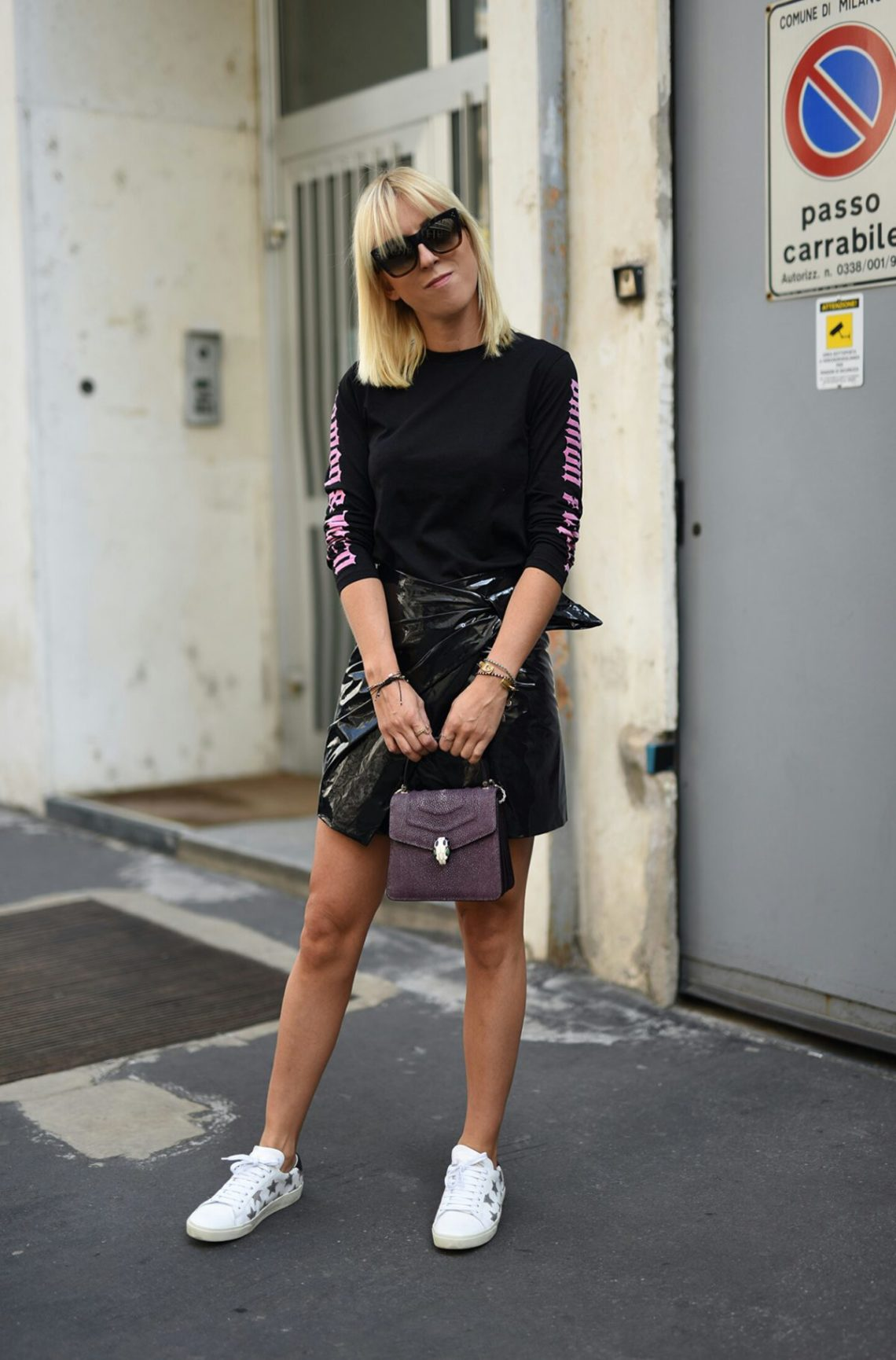 isabel-marant-leather-skirt-tanja-trutschnig-blogger-bazaar-mfw-saint-laurent-star-sneaker